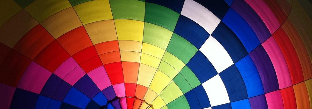 """Δεύτερη ομιλία: """"Πώς μπορούμε να οργανώσουμε αυτά που βλέπουμε μπροστά μας; Η μελέτη του φωτός στο χρώμα και στο σχέδιο"""" εισηγήτρια: Παππά Νίνα"""